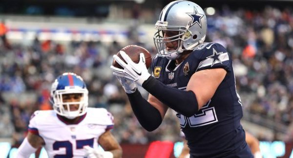 Jason Witten catches a pass for the Dallas Cowboys
