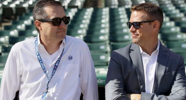 Theo Epstein talks to Cubs owner Tom Ricketts